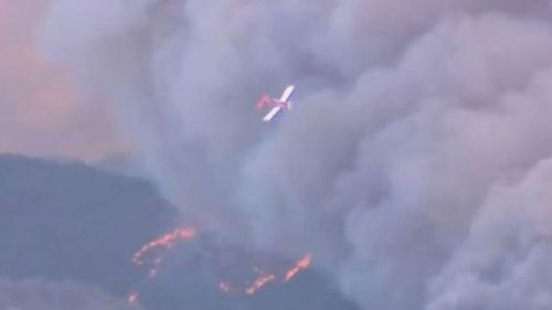 Lives and homes are under threat in the Adelaide Hills region as emergency level bushfires rages out-of-control.