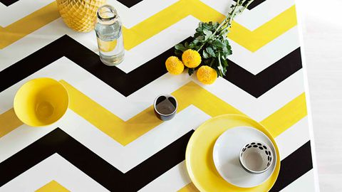 Painted zigzag table top