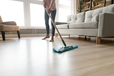 Mopping: 170 calories an hour