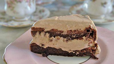 Three ingredient Nutella cream cake