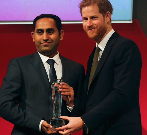 Prince Harry presented the Commonwealth Person of the Year award to Australian Usman Iftikhar. (AP/AAP)
