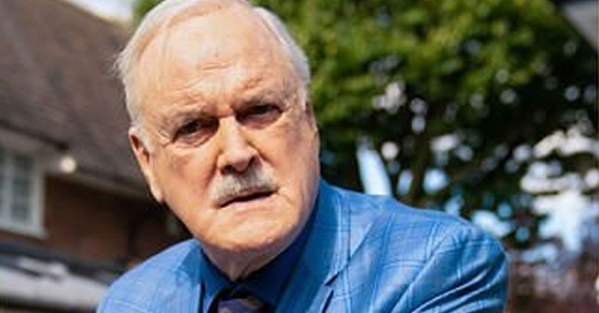 John Cleese slams removal of Fawlty Towers episode from streaming site – 9TheFIX