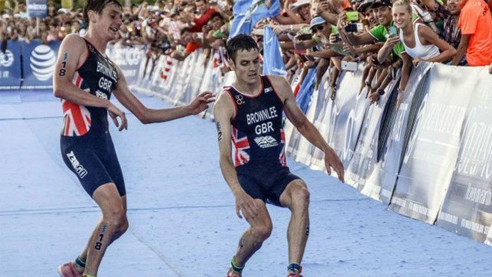 Triathlon brothers have dramatic finish