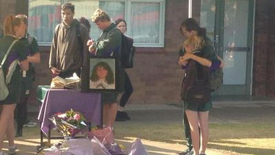 Students are wearing purple ribbons today to recognise Jayde's favourite colour. (9NEWS)