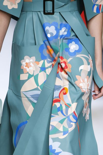 <p>Floral detail and gorgeous colours.</p>
