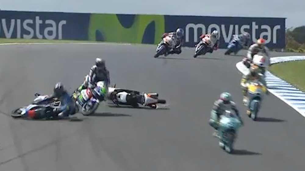 Crash mars Binder's Moto3 grand prix win