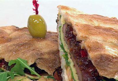 Make: Warm steak sandwich