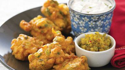 """<a href=""""http://kitchen.nine.com.au/2016/05/13/11/27/vegetable-fritters"""" target=""""_top"""">Vegetable fritters</a>"""