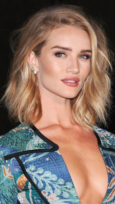 <p>The glow gang:&nbsp;Rosie Huntington-Whiteley</p>