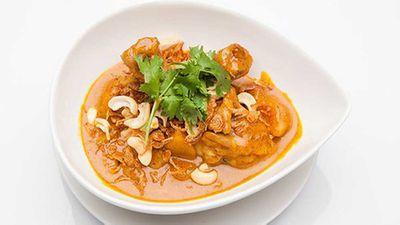 "Recipe:&nbsp;<a href=""http://kitchen.nine.com.au/2016/05/05/11/07/make-massaman-chicken-curry-in-a-rice-cooker"" target=""_top"">Massaman chicken curry</a>"