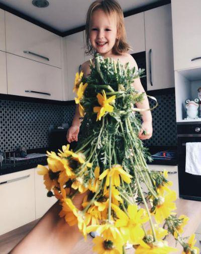 Happy daisies.