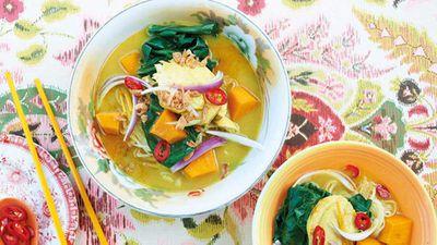 "<a href=""http://kitchen.nine.com.au/2016/06/06/13/23/bill-grangers-chicken-curry-soup"" target=""_top"">Bill Granger's chicken curry soup</a> recipe"