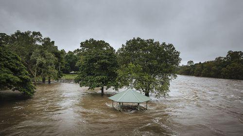 Queensland weather: Emergency flood alert issued for Bohle River