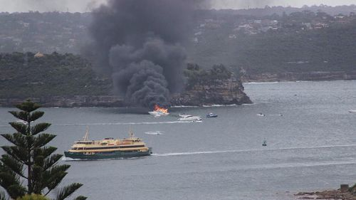 Emergency crews are en route to boat fire near Middle Head. (Twitter, @laudrans)