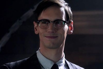 Sorry folks, Jim Carrey isn't the Riddler this time around but they've cast someone else with the right balance of comic timing and creepiness to take up the reigns, Cory Michael Smith.<br/><br/>This time Edward is a forensic scientist with a super-eerie grin…and a devious alter-ego as Riddler.