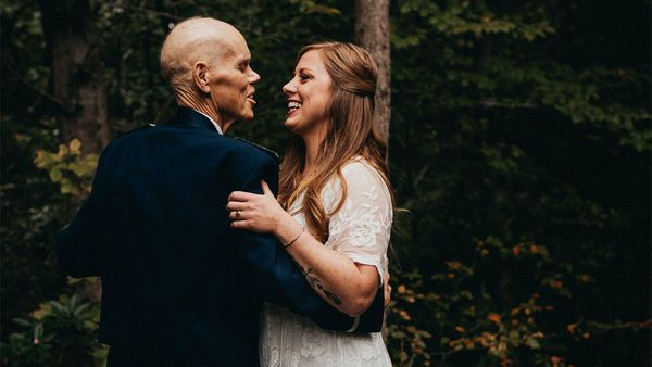 Bride has photoshoot with terminally ill father before wedding.