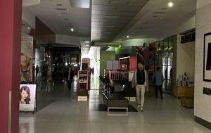 Mass blackout in Adelaide CBD hits shops financially