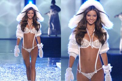 The honour of being the first Australian cast in the show, Miranda Kerr makes a dramatic entrance.  Sadly, after six years Gisele hangs up her angel wings.