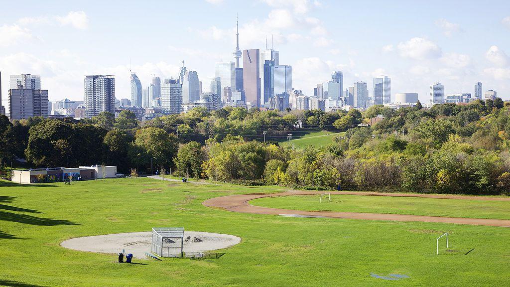 Riverdale Park and Toronto skyline (Getty)