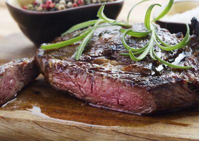 <strong>17. Steak</strong>