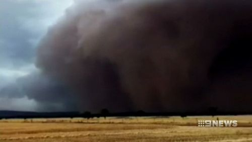 People with breathing difficulties are being urged to take care when the dust storm hits their area.