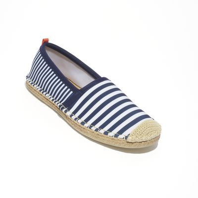 "<a href=""https://www.theiconic.com.au/original-beachcomber-espadrilles-512950.html"" target=""_blank"">Seastar Original Beachcomber Espadrilles, $149.95.</a>"