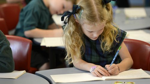 School maths classes are failing students, according to a recent study. (AAP)