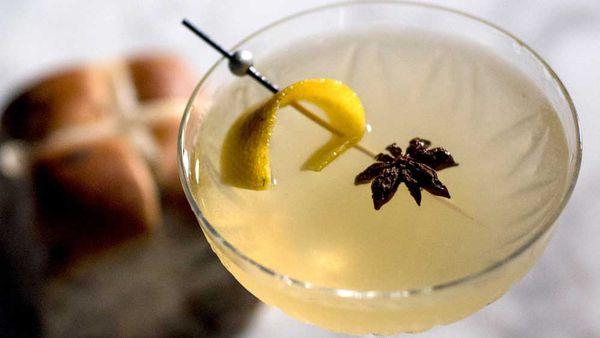 Hot cross bun martini