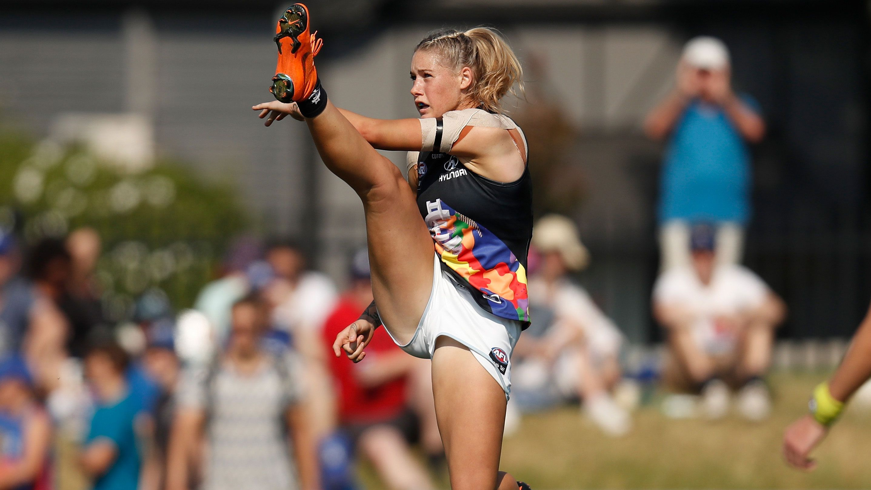 Exclusive: AFLW star Tayla Harris reveals powerful final lesson from photo that rocked Australia