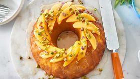 Mango and pistachio cake
