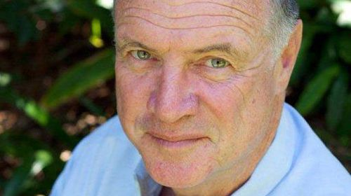 Mike Carlton resigns as Fairfax columnist over abusive comments to readers