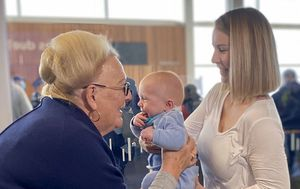 Joyful reunions as first non-quarantined Sydney-Adelaide flight lands