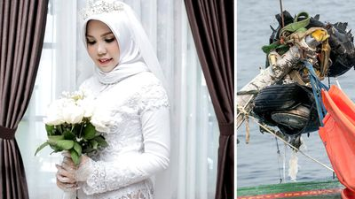 Bride wears wedding gown alone after fiance's death in Lion Air tragedy