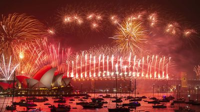 New Year S Australia Welcomes 2020 With A Bang