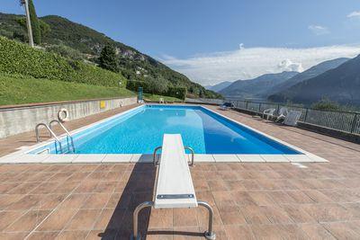 3. Lakeside apartment with mountain views, Riva, Italy