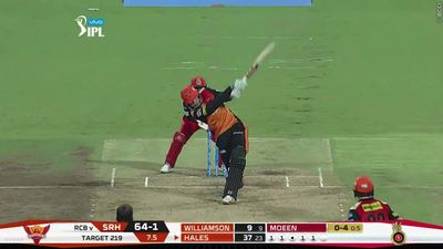 AB de Villiers puts on a show during IPL clash with a pair of stunning highlights