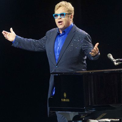 <p>Elton John</p>