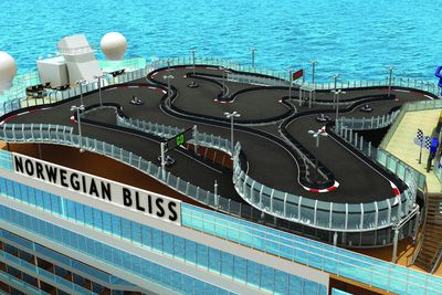 <strong>Racing Track - Norwegian Bliss</strong>