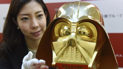 Solid-gold Darth Vader mask goes on sale for $1.4 million