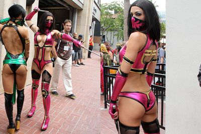 Well known for her racy con getup, <i>America's Next Top Model</i> contestant <b>Adrianne Curry</b> cosplayed as Mileena from <i>Mortal Kombat</i>.<br/><br/>Image: Zodiac / Marcus / Splash News