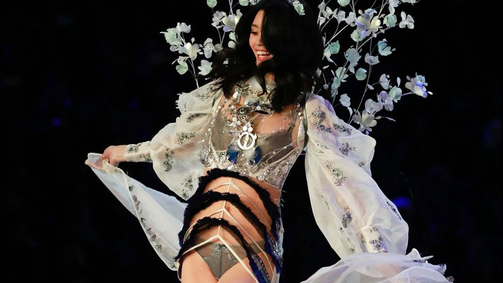 Victoria's Secret Angels hit catwalk at Shanghai show surrounded by controversy — LOOK