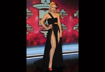 Whoa Iggy! The Aussie rapper went thigh-high at the EMA's in Amsterdam.