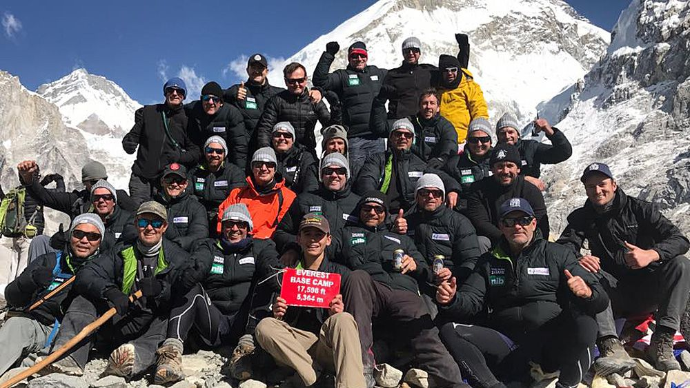 Matthew Johns and former Newcastle Knights players endure altitude sickness climbing Mount Everest