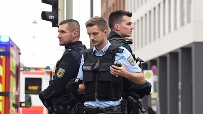 Eight injured in Munich knife rampage