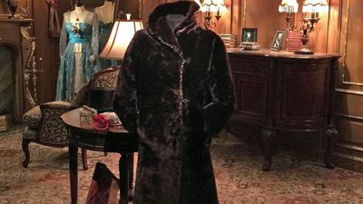 Titanic survivor's fur coat goes for $250,000 at auction