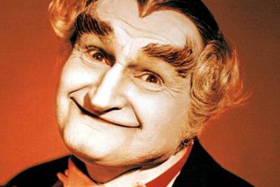 <B>The vampire:</B> Sam Dracula (Al Lewis), or Grandpa Munster as he was better known, was the wise-cracking, sarcastic and often annoying patriarch of the '60s sitcom. He could transform into a bat, and kept in close contact with his many ex-wives. Quite a feat, given they were all dead.<br/><br/><B>Scare factor:</B> Grandpa wasn't the least bit scary back in the '60s, and he sure isn't now.