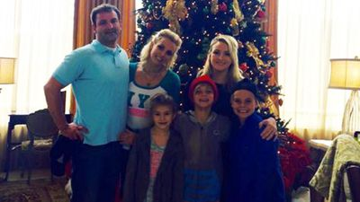 Britney Spears with her brother Bryan, sister Jamie Lynn and offspring