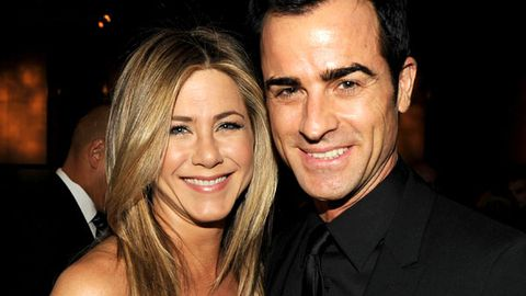 Jennifer Aniston and Justin Theroux engaged