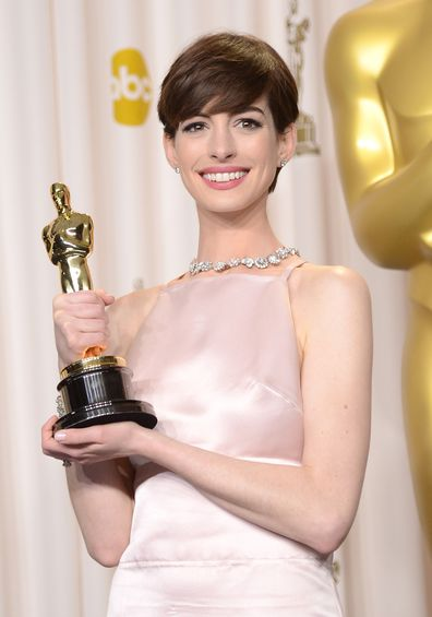 Anne Hathaway poses in the press room during the Oscars held at Loews Hollywood Hotel on February 24, 2013 in Hollywood, California.