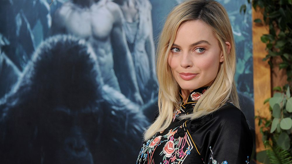 Margot Robbie's modern take on the kimono
